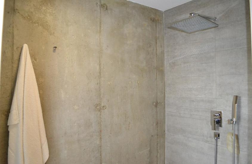 Lieu: Commune de Sévrier - Annecy (74)  Maitre d'ouvrage: Maison L+S Surface traitée: 240 m² Mission: Permis de construire + conception mobilier + assistance chantier