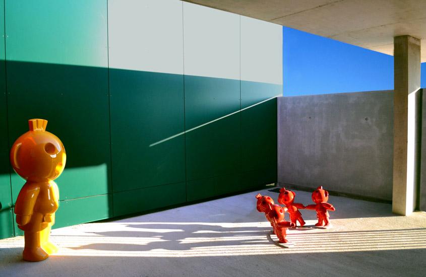 Création d'un centre multi-accueil pour jeunes enfants structuré comme un jeu de cubes et répondant à la RT 2012.