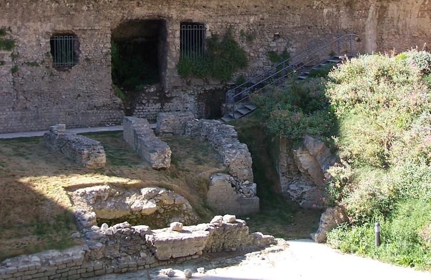 Travaux de mise en valeur du site des anciennes arènes romaines de Béziers, du jardin, du belvédère et de l'ambulacre.
